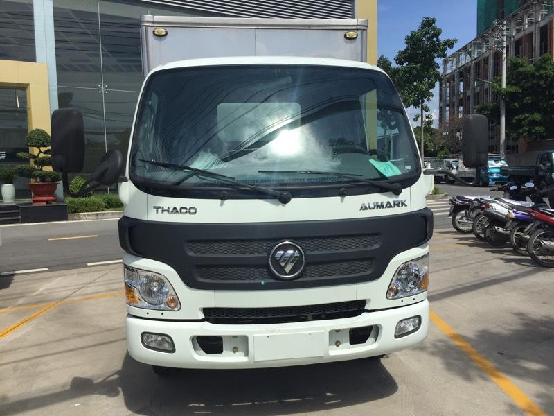 Bán Thaco AUMARK 5 tấn thùng kín 4m2, màu trắng, trả góp TP. HCM