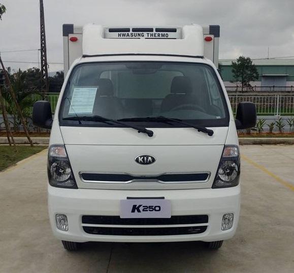 Bán Thaco Kia K250 đông lạnh đời 2018, màu trắng