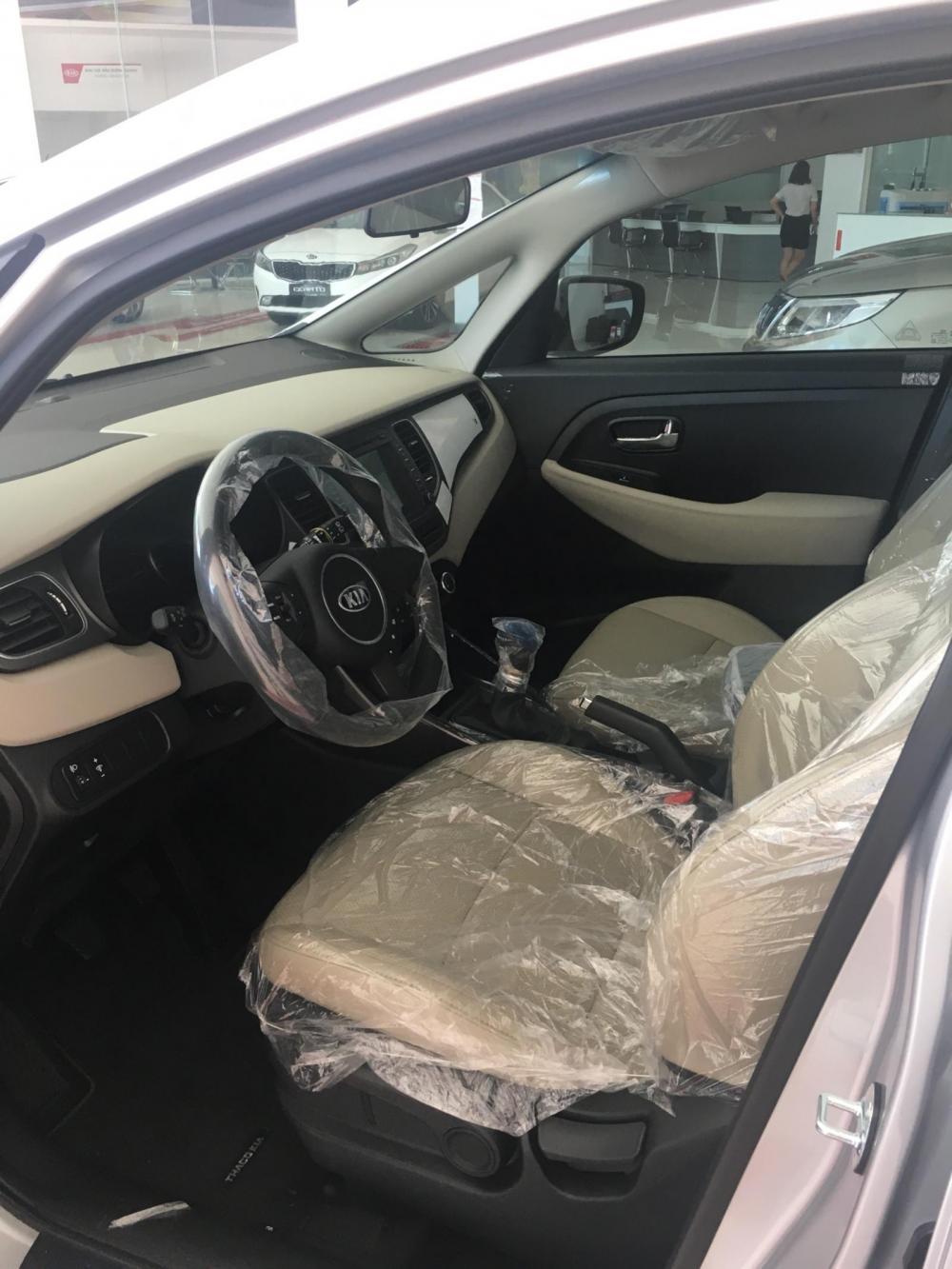 Cần bán xe Kia Rondo GMT 2018, màu trắng