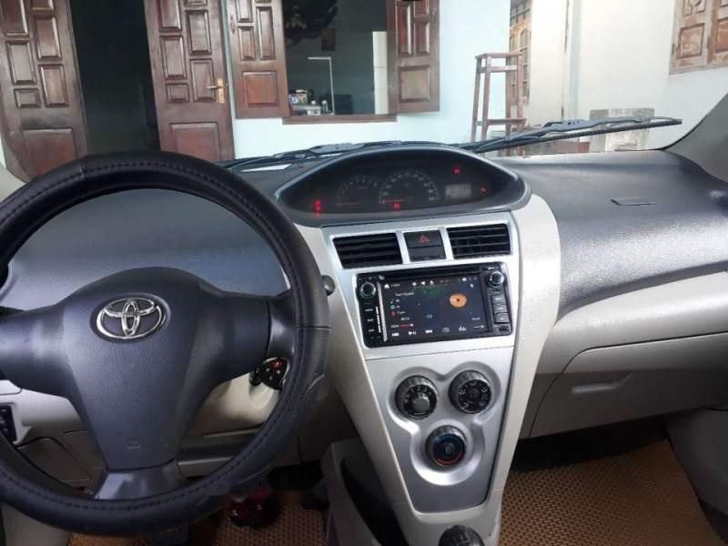 Bán xe Toyota Vios sản xuất năm 2010, màu bạc