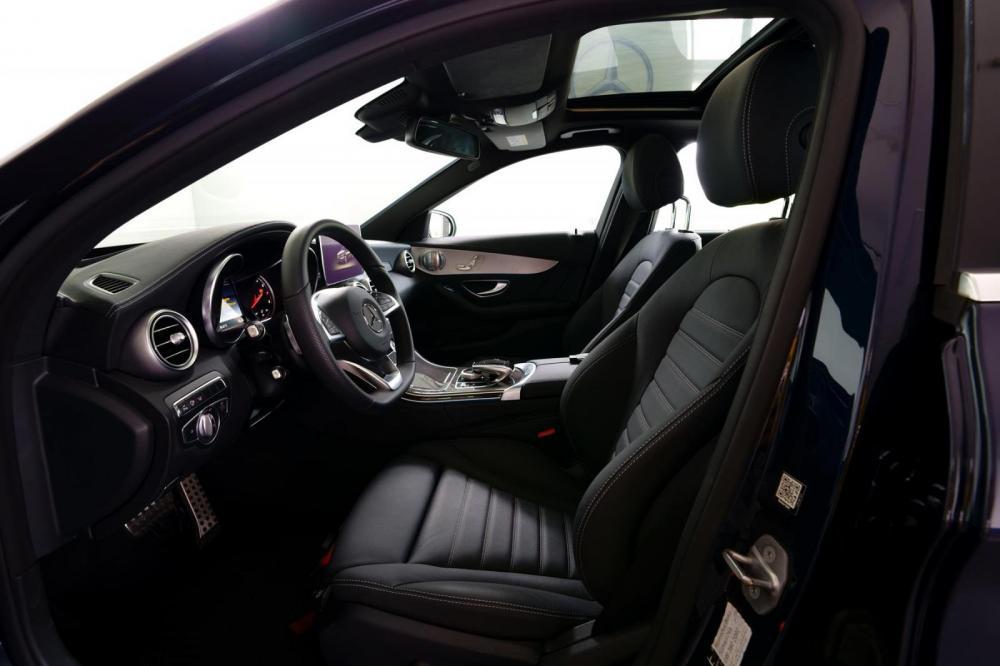 Bán xe Mercedes-Benz C300AMG, đăng ký 2018, màu xanh/trắng/đen/nâu, 38 km, 2% thuế trước bạ