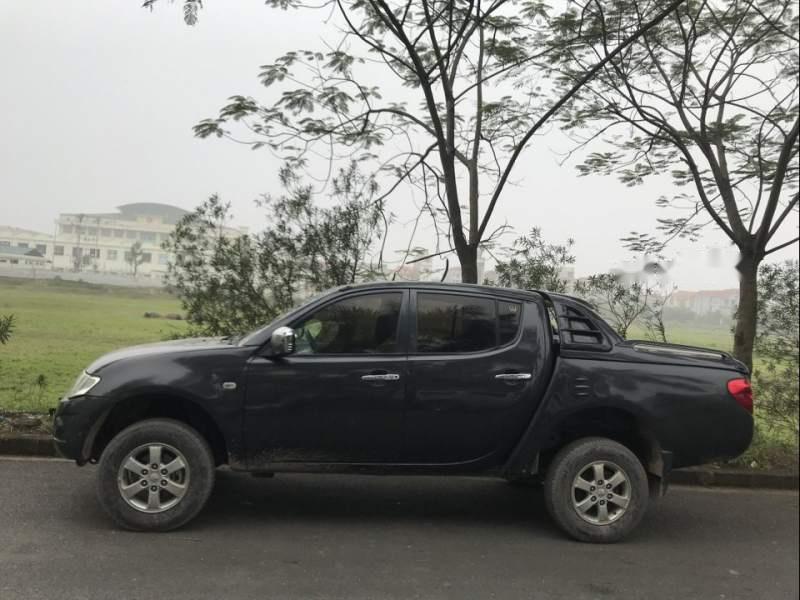 Cần bán gấp Mitsubishi Triton sản xuất 2010, màu xám, giá 300tr