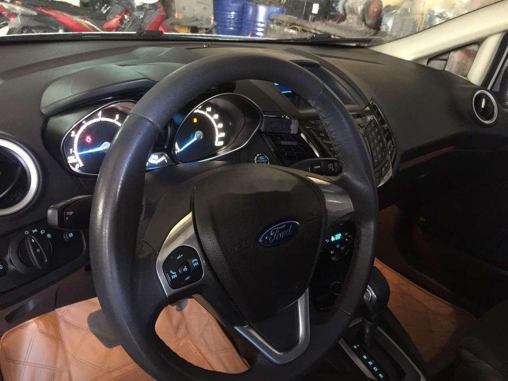 Bán Ford Fiesta đời 2014, màu trắng