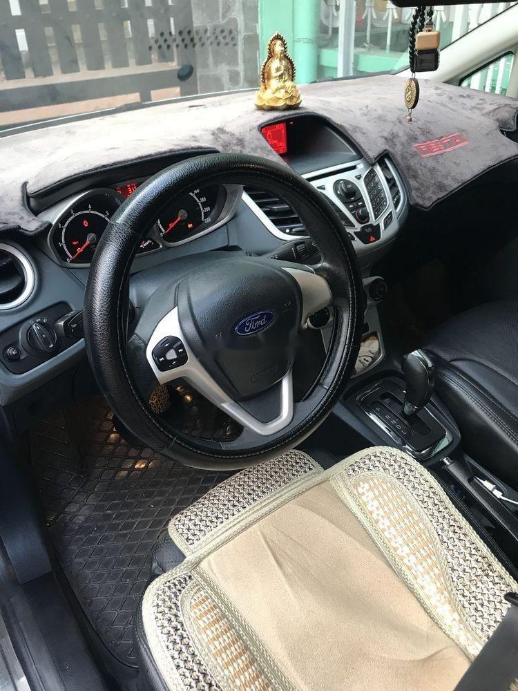 Bán xe Ford Fiesta sản xuất năm 2012, màu trắng