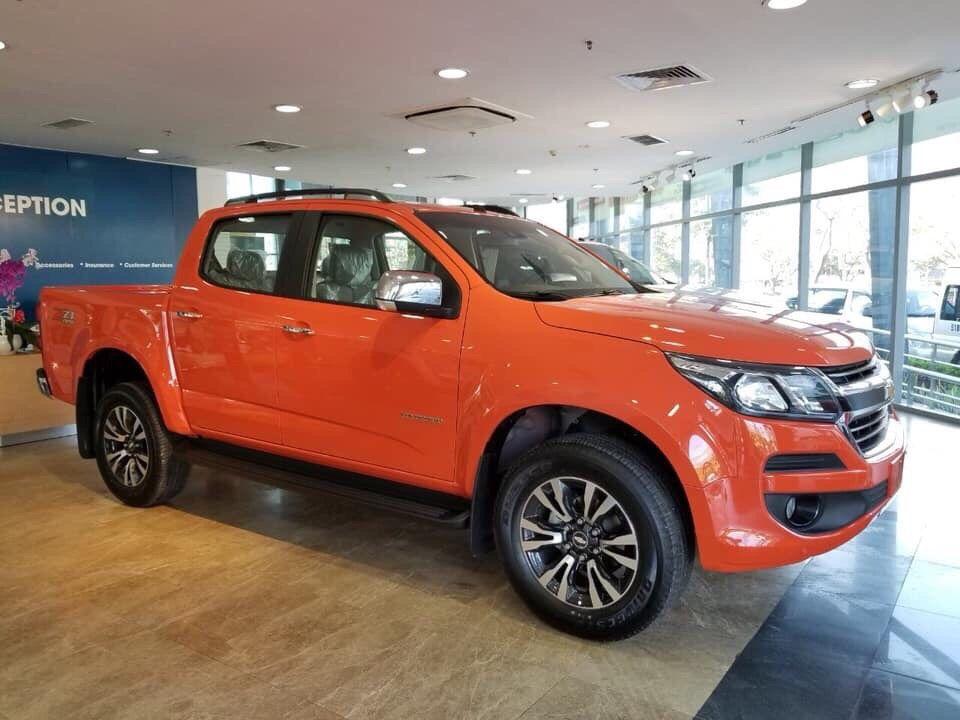 Bán gấp chiếc xe Chevrolet Colorado 2.5 VGT, sản xuất 2019, giá tốt - Hỗ trợ mua xe trả góp lãi suất thấp