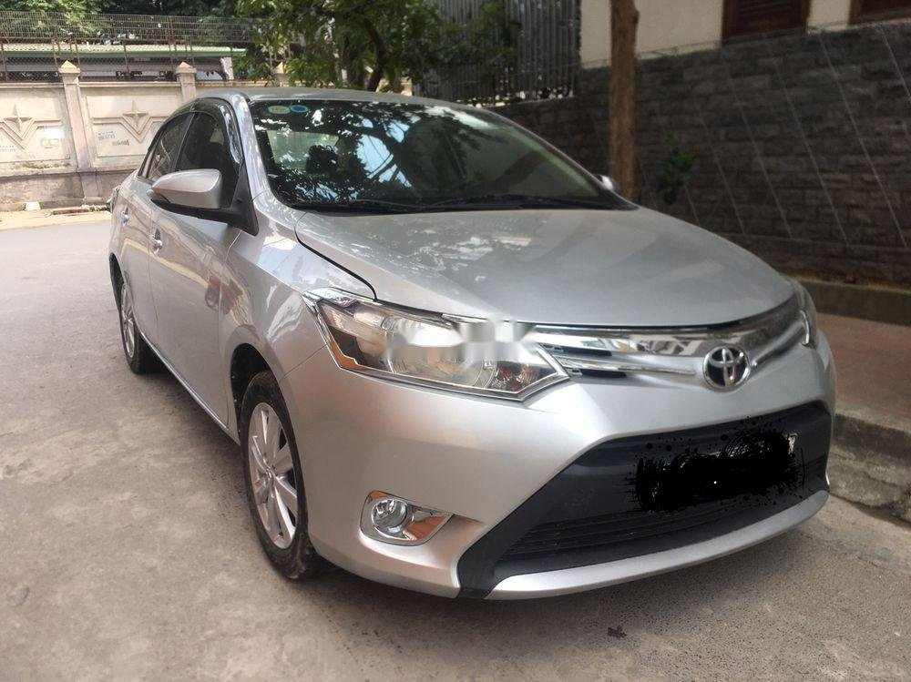 Cần bán Toyota Vios sản xuất năm 2014 số sàn, giá 340tr