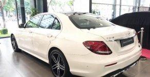 Bán Mercedes E300 AMG sản xuất 2017, màu trắng giá 2 tỷ 660 tr tại Hà Nội