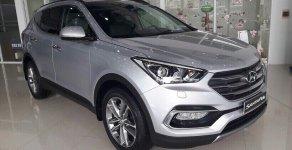 Cần bán Hyundai Santa Fe 2018 máy dầu màu bạc, sản xuất 2018.  giá 1 tỷ 120 tr tại Tp.HCM