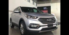 Hyundai Santa Fe màu bạc bản 2.2 dầu. Khuyến mãi lớn, xe giao ngay giá 1 tỷ 120 tr tại Tp.HCM