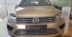Bán xe Volkswagen Touareg 3.6 AT đời 2016, màu nâu giá 2 tỷ 499 tr tại Hải Phòng