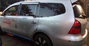 Cần bán Nissan Grand livina đời 2011, màu bạc xe gia đình, 270tr giá 270 triệu tại Gia Lai