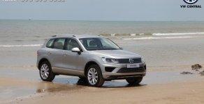 Bán Touareg bạc - SUV gầm cao nhập khẩu chính hãng Volkswagen, xe giao ngay/ Hotline: 090.898.8862 giá 2 tỷ 499 tr tại Tp.HCM