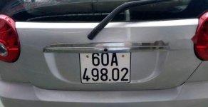 Cần bán gấp Chevrolet Spark sản xuất năm 2010, màu bạc xe gia đình giá 125 triệu tại Bình Dương