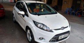 Cần bán chiếc Ford Fiesta 5 cửa, chính chủ, màu trắng đời 2011, đăng ký lần đầu 2012 giá 340 triệu tại Hà Nội