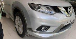Bán Nissan X trail 2.0 AT đời 2018, xe mới 100% giá 888 triệu tại Hà Nội