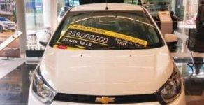 Cần bán Chevrolet Spark Duo năm 2018, màu trắng, giá 299tr giá 299 triệu tại Tp.HCM