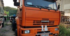 Cần bán thanh lý Kamaz đầu kéo 2 cầu đời 2015, màu đỏ, xe nhập, giá khởi điểm 700 triệu giá 700 triệu tại Tp.HCM