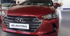 Bán Hyundai Elantra MT 2018, màu đỏ, xe có sẵn sẽ giao xe trong ngày làm việc giá 550 triệu tại Bình Dương