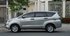 Bán Toyota Innova số sàn, màu bạc 2017 giá 715 triệu tại Tp.HCM