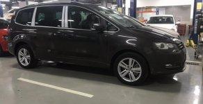 [Sale shock] Sharan 7 chỗ 2.0 turbo, hãng xe Đức Volkswagen, lái đã, giá tốt, vay 85%, lãi 4.99% siêu tốt. Có giao ngay giá 1 tỷ 689 tr tại Tp.HCM