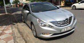 Cần bán lại xe Hyundai Sonata 2.0AT sản xuất năm 2011, màu bạc, nhập khẩu nguyên chiếc giá 590 triệu tại Tp.HCM