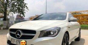 Bán Mercedes CLA 200 năm 2016, màu trắng, xe nhập chính chủ giá 1 tỷ 200 tr tại Tp.HCM