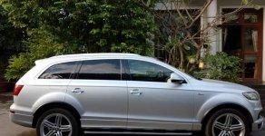 Bán Audi Q7 đời 2011, màu bạc  giá 2 tỷ 200 tr tại Tp.HCM