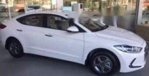 Bán Hyundai Elantra sản xuất năm 2018, màu trắng giá 549 triệu tại Hà Nội
