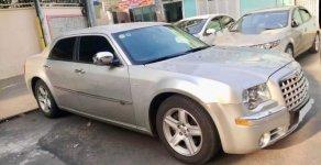 Cần bán xe Chrysler 300C năm sản xuất 2010, màu bạc, nhập khẩu giá cạnh tranh giá 820 triệu tại Tp.HCM