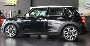 Bán xe Mini Cooper S 5 Doors LCI model 2019, màu Midnight Black, nhập khẩu từ Anh Quốc, có xe giao ngay giá 2 tỷ 49 tr tại Tp.HCM