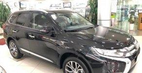 Cần bán Mitsubishi Outlander 2.0 CVT Premium sản xuất năm 2018, xe có sẵn, giao xe ngay giá 909 triệu tại Hà Nội