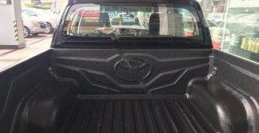 Bán xe Toyota Hilux 2.4E AT sản xuất 2019, màu đỏ, nhập khẩu   giá 695 triệu tại Hà Nội