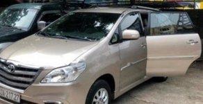 Bán Toyota Innova 2.0V 2014, màu vàng, giá tốt giá 620 triệu tại Hà Nội