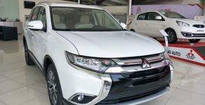 Bán xe Mitsubishi Outlander 2.0 đời 2018, màu trắng giá 807 triệu tại Đà Nẵng