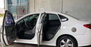 Bán Hyundai Avante sản xuất năm 2011, màu trắng   giá 400 triệu tại Bình Dương