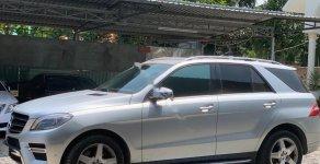 Bán Mercedes ML400 AMG 4Matic sản xuất năm 2014, màu bạc, xe ít sử dụng nên còn rất mới, 1 chủ mua mới giá 2 tỷ 150 tr tại Tp.HCM