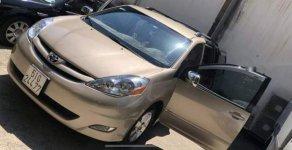 Bán xe Toyota Sienna đời 2008, màu vàng, nhập khẩu   giá 675 triệu tại Tp.HCM