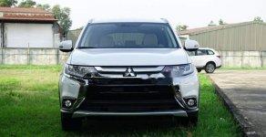 Bán xe Mitsubishi Outlander năm sản xuất 2019, màu trắng giá 807 triệu tại Đà Nẵng