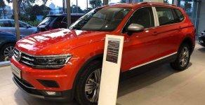 Bán Volkswagen Tiguan năm sản xuất 2019, màu cam, xe nhập, vay 90% giá 1 tỷ 729 tr tại Tp.HCM