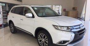 Bán xe Mitsubishi Outlander năm sản xuất 2019, màu trắng giá 808 triệu tại TT - Huế