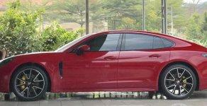 Cần bán lại xe Porsche Panamera đăng ký 2017, màu đỏ nhập giá 5 tỷ 500 tr tại Tp.HCM