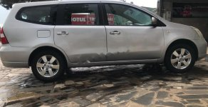 Cần bán lại xe cũ Nissan Grand livina 1.8 MT đời 2011, màu bạc, xe gia đình giá 240 triệu tại Gia Lai