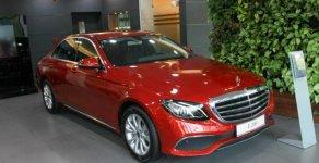 Cần bán lại xe cũ Mercedes E200 2017, màu đỏ giá 1 tỷ 897 tr tại Hà Nội