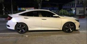 Cần bán Honda Civic 1.5L 2018, màu trắng, xe còn mới 99,99% giá 930 triệu tại Cà Mau