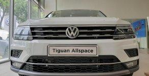 Volkswagen Tiguan trắng ngọc trai - 2019 - Trả trước chỉ từ 345 triệu - Ưu đãi tháng 5 giá 1 tỷ 729 tr tại Tp.HCM