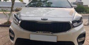 Cần bán xe Kia Rondo 2017 số sàn máy xăng, xe màu trắng rất đẹp giá 535 triệu tại Tp.HCM