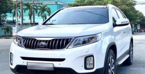 Xe Kia Sorento DATH năm 2018, màu trắng số tự động giá cạnh tranh giá 910 triệu tại Tp.HCM