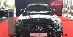 Bán ô tô Mercedes C300 đời 2019, màu đen, trả trước 600tr nhận xe ngay giá 1 tỷ 897 tr tại Tp.HCM