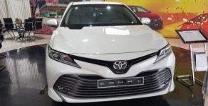 Bán Toyota Camry 2.0G sản xuất năm 2019, màu trắng, xe nhập giá 1 tỷ 29 tr tại Tp.HCM