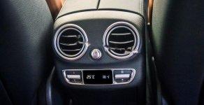 Bán Mercedes C300 AMG năm sản xuất 2019, màu trắng giá 1 tỷ 897 tr tại Hà Nội
